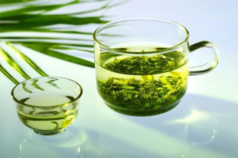 Tinh dầu trà xanh có khả năng kháng khuẩn, tiêu viêm hiệu quả cho vùng kín